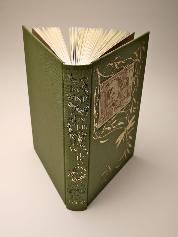The Wind in the Willows by Kenneth Grahame (2005) spine with pages spread.
