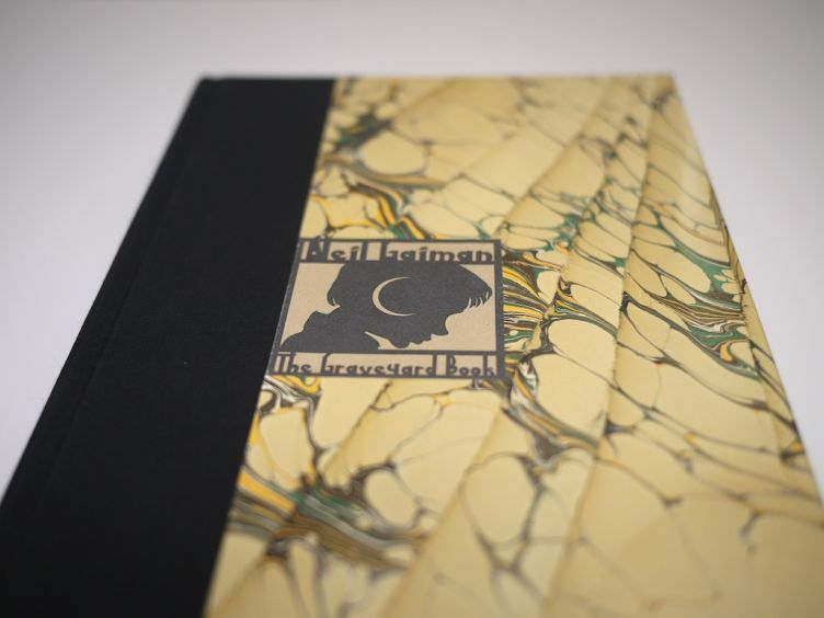 The Graveyard Book by Neil Gaiman with illustrations by Dave Mckean (2008) binding #4.